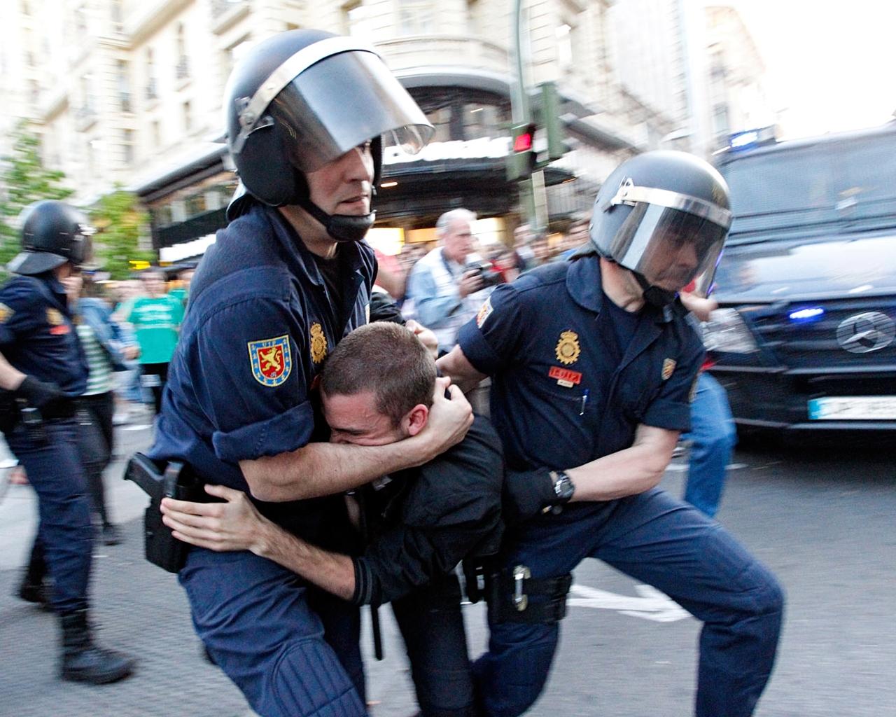 Detenido en Gran Vía tras altercados en manifestación de estudiantes.