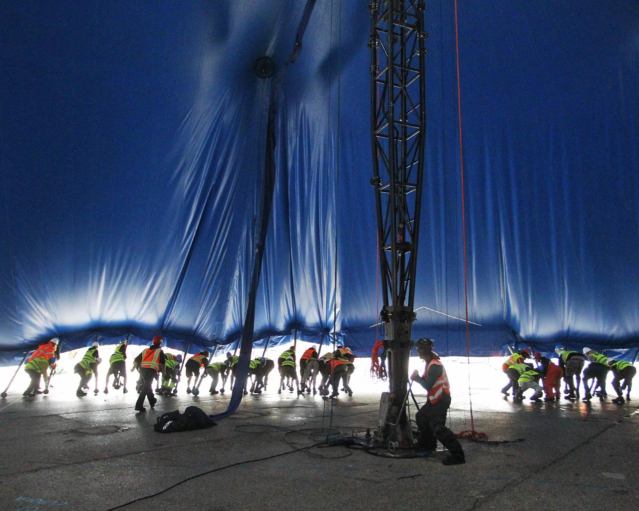Instalación de la gran carpa del Circo del Sol. Madrid. 17/10/2019.