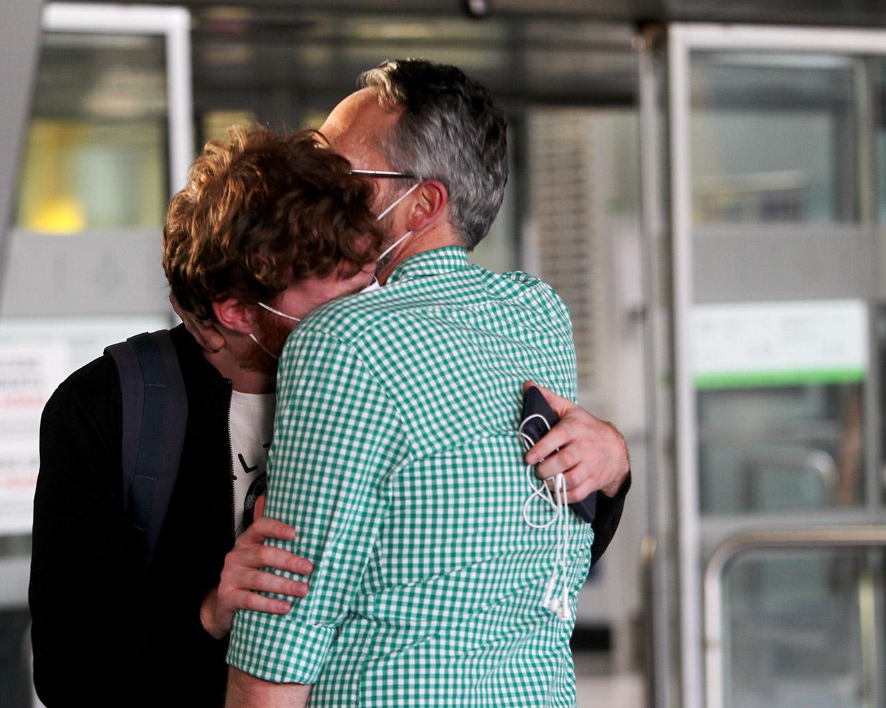 Reencuentros en el Aeropuerto Adolfo Suárez Madrid Barajas, tras la finalización del Estado de Alarma. Madrid. 21/06/2020.