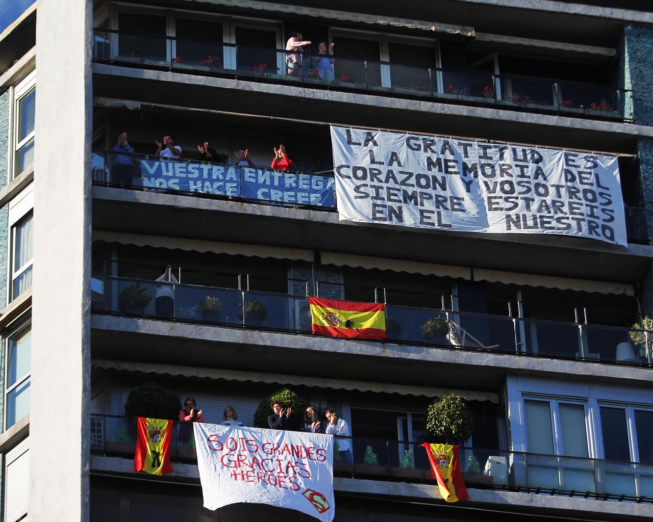 Homenaje y aplausos al personal sanitario. Madrid. 17/05/2020.