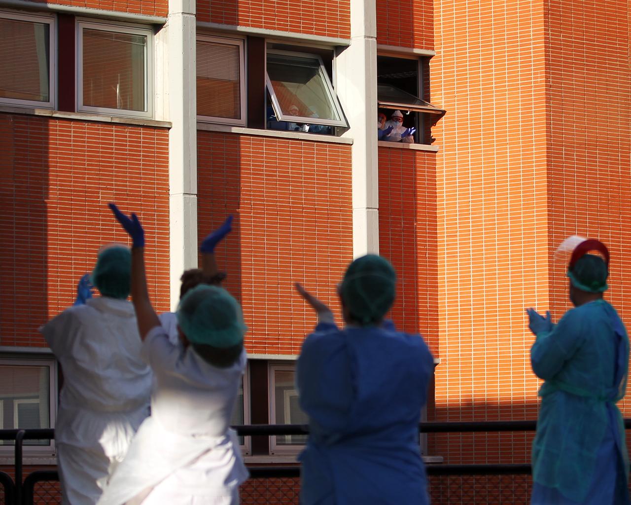 Personal sanitario en el Hospital Severo Ochoa de Leganés. Madrid. 07/04/2020.