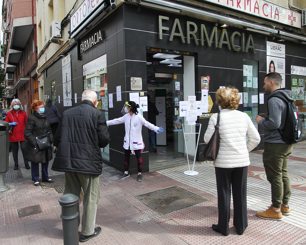 Reparto de mascarillas fpp2 en farmacias de Madrid. 11/05/2020.