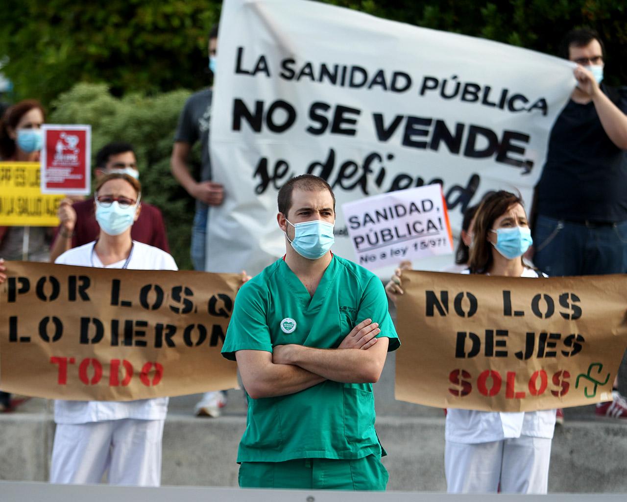 Concentración del personal sanitario en apoyo a la sanidad pública. Hospital La Paz. 15/06/2020.